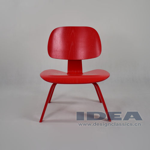 Eames Molded Plywood Lounge Chair Red