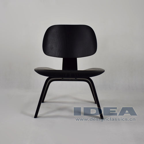 Eames Molded Plywood Lounge Chair Black