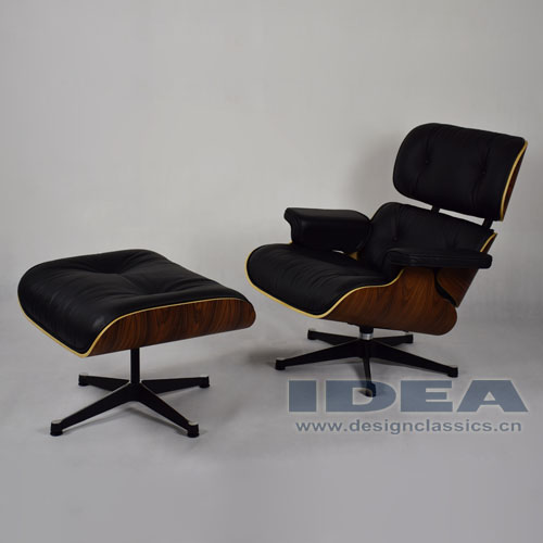Charles Eames Lounge Chair and Ottoman Rosewood Veneer Black Leather
